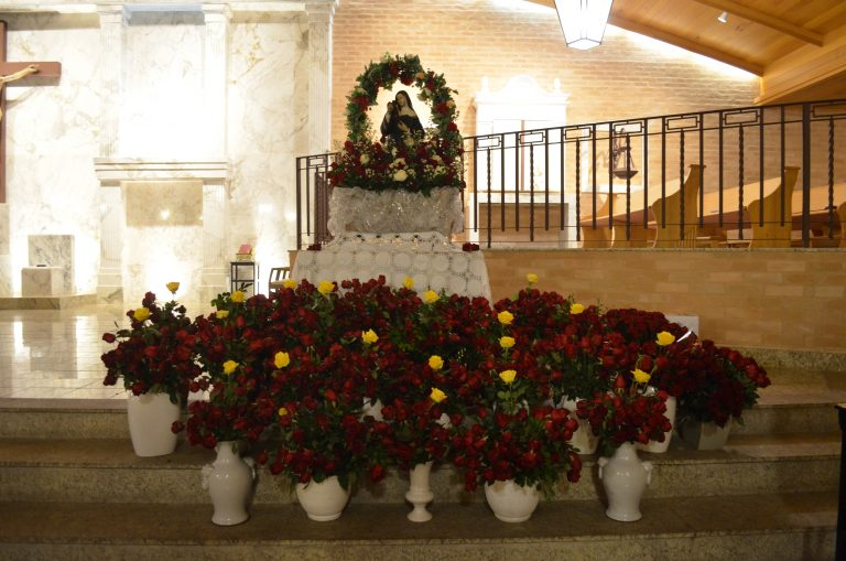 Dia de Santa Rita de Cássia é celebrado pelos fiéis da comunidade
