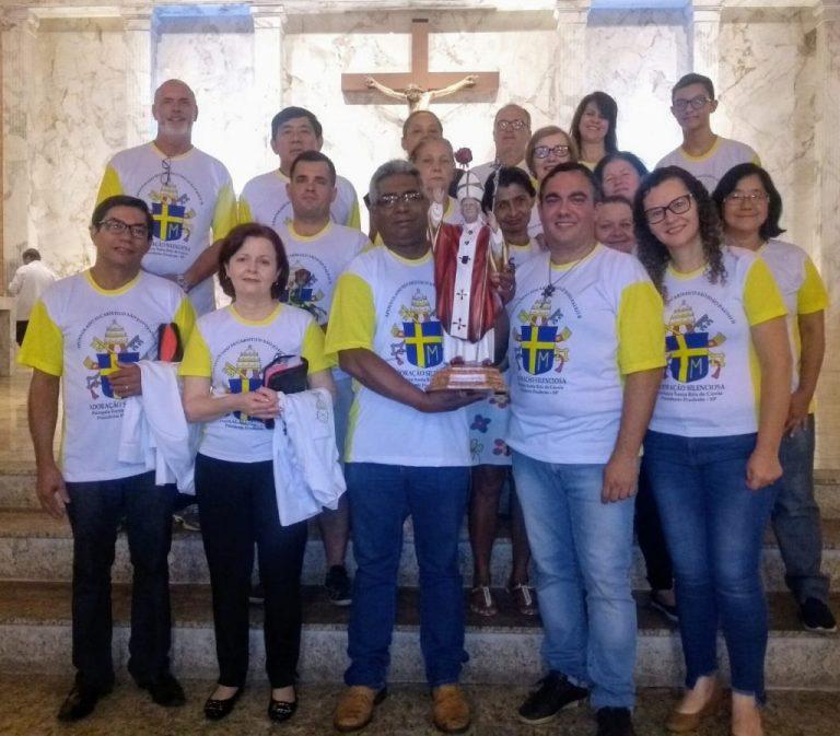Read more about the article Apostolado Eucarístico recebe pela primeira vez relíquia de São João Paulo II
