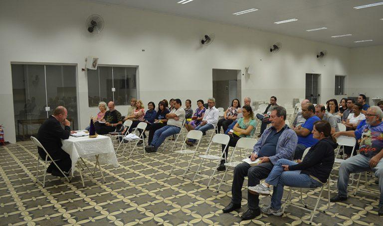 Read more about the article Catequese com o padre aborda a história do encontro da imagem de Nossa Senhora da Conceição Aparecida